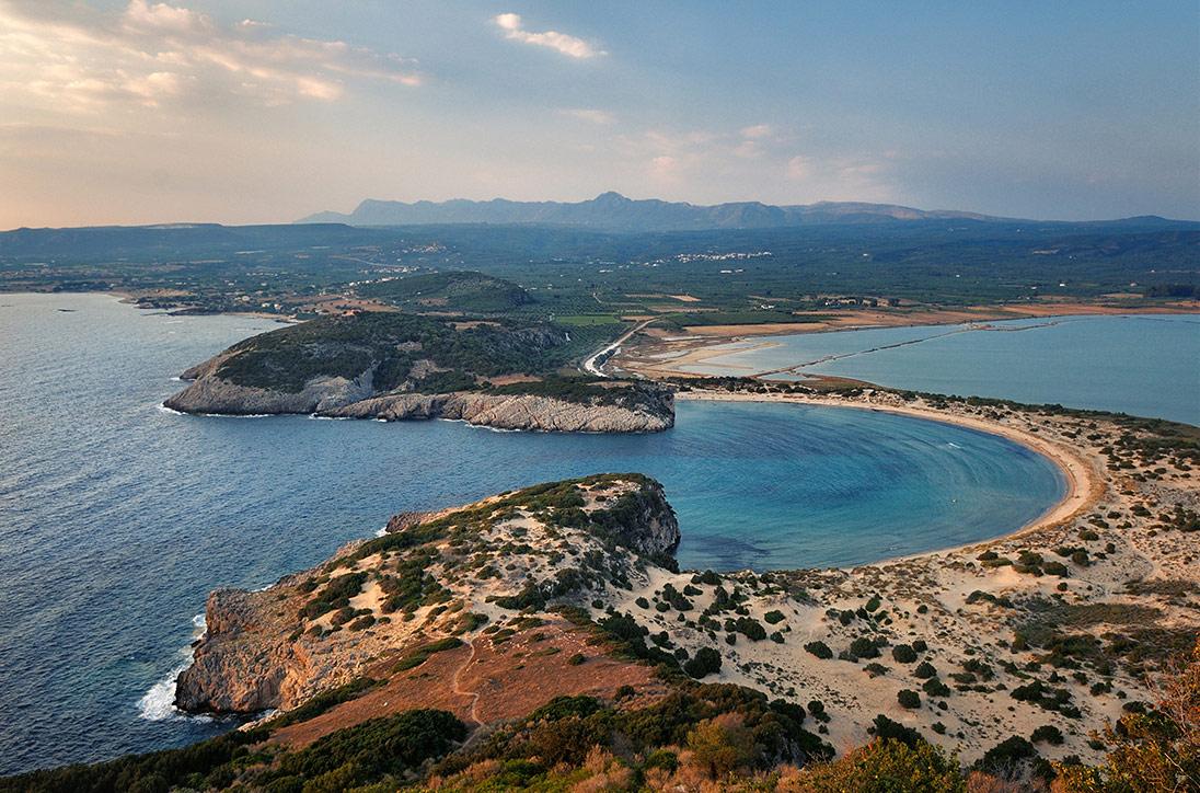 Voidokilia beach (20 min)
